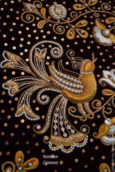 Gold embroidery from Natalia Sorokina. Pearl Embroidery, Tambour Embroidery, Bird Embroidery, Embroidery Works, Embroidery Stitches, Embroidery Patterns, Zardozi Embroidery, Motif Paisley, Crochet Wool