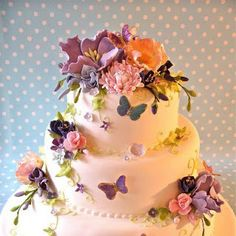 purple butterfly cake from Nice Icing, located in the UK. Gorgeous Cakes, Pretty Cakes, Cute Cakes, Amazing Cakes, Amazing Wedding Cakes, Purple Butterfly Cake, Butterfly Cakes, Butterfly Wedding, Cakes With Butterflies