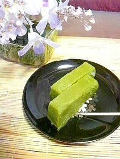 """Sweet rice paste(green tea)""  米粉で作る抹茶ういろう/抹茶ういろう Japanese Sweets, Japanese Food, Japanese Candy, Cute Food, Good Food, Healthy Sweets, Healthy Recipes, My Favorite Food, Favorite Recipes"