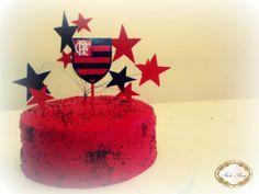 Resultado de imagem para bolo quadrado de aniversario tema flamengo cobertura chantininho