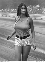 Jungle Pam Hardy was an iconic figure in the world of drag racing. She is notably known for her role of backing up the legendary (and also similarly nicknamed) Jungle Jim Liberman and his renown Funny Cars. Jungle Jim Liberman, Pam Hardy, Jungle Jim's, Colorized Photos, Grid Girls, Drag Cars, Jolie Photo, Vintage Racing, Car Humor