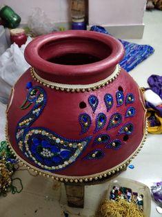 Kalash Decoration, Thali Decoration Ideas, Pottery Painting Designs, Paint Designs, Round Candles, Diwali Craft, Indian Home Decor, Peacock, Craft Supplies
