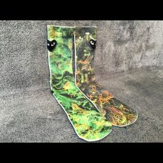Marijuana Socks Men Women Crew Graphic Street Sock Very stunning, unique and high quality Marijuana socks, perfect for anyone! One Size - Fits Sizes 6-13 Check out my closet for 16 other styles! Other