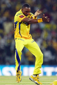 Dwayne Bravo celebrates the wicket of Jacques Kallis during match 38 of the Pepsi Indian Premier League between The Chennai Superkings and the Kolkata Knight Riders held at the MA Chidambaram Stadiumin Chennai on the 28th April 2013. #IPL