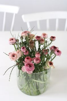 "I loooove these simple flowers! we call it ""francesillas"" (better than ""ranunculus"")"