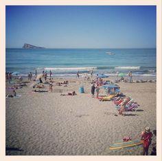 24ºC #CasiVerano así estaba esta mañana la playa #Benidorm