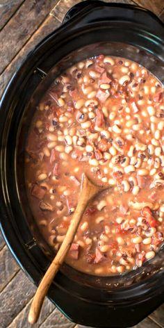 Black Eye Peas Crockpot, Black Eyed Peas Recipe Crock Pot, New Year Black Eyed Peas Recipe, Slow Cooker Recipes, Crockpot Recipes, Cooking Recipes, Crockpot Dishes, Diet Recipes, Blackeyed Pea Recipes