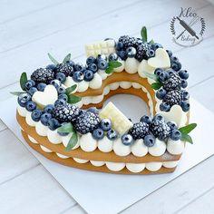 Image could contain: food - Motiv-Food - Cakes Food Cakes, Cupcake Cakes, Cookie Cakes, Pretty Cakes, Beautiful Cakes, Amazing Cakes, Cake Recipes, Dessert Recipes, Birthday Cake Decorating