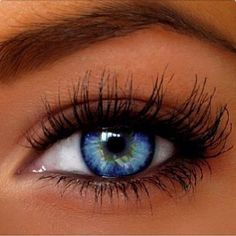 Subtle makeup for blue eyes Beautiful Eyes Color, Stunning Eyes, Pretty Eyes, Cool Eyes, Subtle Makeup, Natural Eye Makeup, Natural Eyes, Long Lashes, Fake Eyelashes