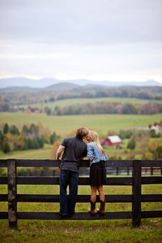 engagement pic, love this, looks so much like Boone----someone elses comment but we have been there so i had to pin