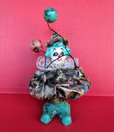 """Vintage Paper Mache Clown With Balloons 8"""" Tall Art Studio Lace Collar Figurine"""