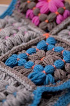 22 Ideas For Knitting Loom Patterns Blanket Granny Squares Loom Knitting Patterns, Easy Knitting, Knitting Stitches, Knitting Designs, Loom Love, Loom Craft, Peg Loom, Yarn Projects, Loom Weaving