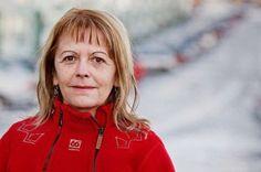 Жена из Сарајева након 17 година примила позив: Ваш син је продат! - http://www.vaseljenska.com/vesti-dana/zena-iz-sarajeva-nakon-17-godina-primila-poziv-vas-sin-je-prodat/
