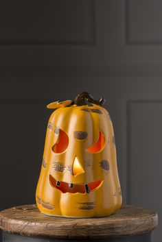 Make boo-tiful memories with our quirky Black Tooth Jack-O-Lantern Shade this Halloween!
