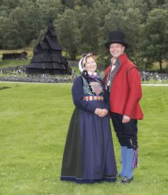 Bilderesultat for lustrabunad Folk Clothing, Luster, Traditional Outfits, Norway, Families, Boards, Costumes, Embroidery, Couples