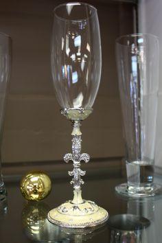 White Fleur de Lis Champagne Glass at #BettyWhiteJewelers #Houma #LA #decor #fleurdelis