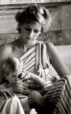 Diana, Princess of Wales & Prince Harry -Lindo retrato da Princesa. Kate Middleton, Lady Diana Spencer, Diana Son, Prince Harry, Photo Trop Belle, Diana Williams, Elisabeth Ii, Princess Of Wales, Queen Of Hearts