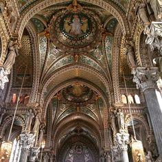 Inspiration, Basilique de Fourvière, Lyon #france #religion #art #eglise #church #deco  #design #instaspiration #tourism Promenade Des Anglais, Lyon France, Deco Design, Barcelona Cathedral, Religion, Architecture, Instagram Posts, Inspiration, Arquitetura