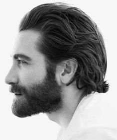 This unique beard types is a very inspirational and first-class idea Medium Length Hair Men, Medium Hair Cuts, Long Hair Cuts, Medium Hair Styles, Short Hair Styles, Beard Styles For Men, Hair And Beard Styles, Hair Style Men, Jake Gyllenhaal Haircut
