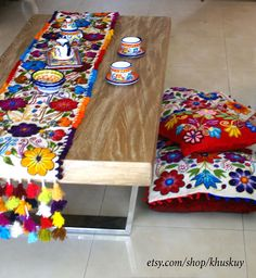 Table Bed runner embroidered Reservado para Maria Fernanda