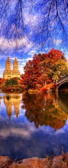 Fall in Central Park, New York, USA                                                                                                                                                      Mais