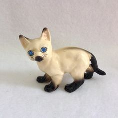 Siamese Cat Figurine with Blue Sparkle Eyes Japan