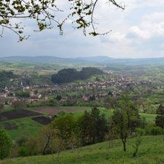 Saschiz, une belle ville de Transylvanie qui abrite une église fortifiée et une citadelle à ne pas manquer ! Photos, River, Outdoor, Romania, Tourism, Travel, Outdoors, Outdoor Living, Garden