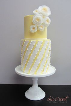 Photos of cakes and cupcakes