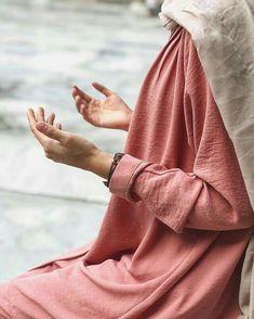 traveling inspiration travelling tips traveling travel dreams traveling the worl… – Hijab Fashion 2020 Egypt Fashion, Niqab Fashion, Muslim Fashion, Modest Fashion, Girl Fashion, Alhamdulillah, Hijab Dpz, Hijab Collection, Islam Women