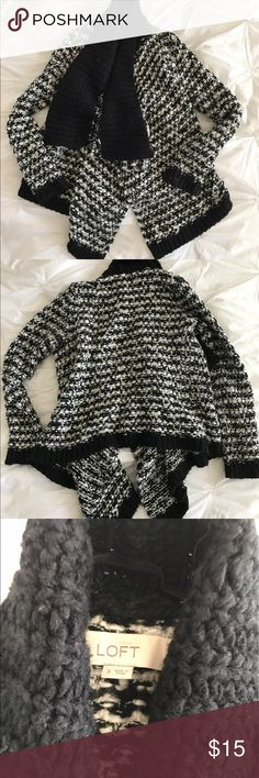 Chunky Knit Loft Cardigan - Black and White This chunky knit cardigan is the perfect addition to your wardrobe. Black and white. Longer in front than back. Loft small. Smoke/pet free home. LOFT Sweaters Cardigans