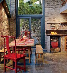 love the architecture and brick !
