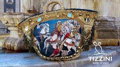 #coffasiciliana coffa, borsa in palma nana decorata con nappine e pom pom colorati #handmade #diy #idee #fattoamano #sicilia #cavalieri #paladini #operadeipupi