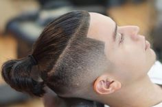 5 Hairstyles That Look Way Better on Dirty Hair - Resouri Man Bun Undercut, Man Bun Haircut, Man Bun Hairstyles, Easy Hairstyles For Long Hair, Hairstyles 2018, Man Bun Styles, Short Hair Styles, Temp Fade Haircut, Haircuts For Men