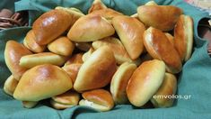Hot Dog Buns, Hot Dogs, Greek Recipes, Pretzel Bites, Cooking Recipes, Sweets, Bread, Snacks, Breakfast