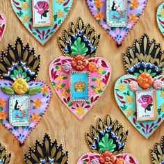 My first version of Mexican Tin Hearts from a few years ago is still getting tons of attention so I decided to up the game a little and try. Tin Foil Art, Tin Art, Mexican Crafts, Mexican Folk Art, Metal Crafts, Diy Arts And Crafts, Hand Painted Crosses, Soda Can Crafts, Frida Art