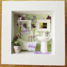 """Quadro em mdf , pintado de branco, aplicação de decoupagem , tema """"Amor Perfeito"""" , cantoneira de madeira, pia de cerâmica branca, banheira de resina, vaso cerâmico com flores e folhagem importadas, espelho de resina, toalhas feito à mão, chinelinho de resina.      POR SER UM PRODUTO TOTALMENTE ARTESANAL , PODERÁ OCORRER ALGUMA ALTERAÇÃO NA DECORAÇÃO.    Aceito encomenda com a cor de sua preferência !    LANÇAMENTO EXCLUSIVO KITTY ARTES    Para comprar:  1 - Cadastre-se e entre com seu ..."""