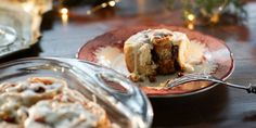 "Christmas Morning Cinnamon Rolls (Blended Holidaze) - Valerie Bertinelli, ""Valerie's Home Cooking"" on the Food Network. Bagels, Croissants, Biscuits, Christmas Morning, Christmas Breakfast, Xmas, Christmas 2019, Top Recipes, Bread Recipes"