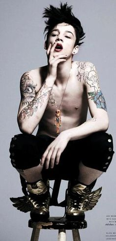 pretty boy with tattoo love!!! Correct me if i'm wrong, but this pretty boy's name is ash stymest