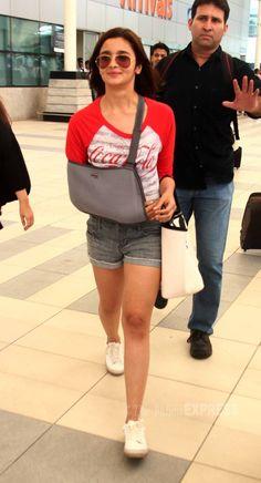 Alia Bhatt spotted at Mumbai airport. #Bollywood #Fashion #Style #Beauty