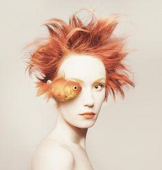 Animeyed – Les autoportraits de Flora Borsi