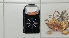 Wandhalterung für Papiertaschentücher. Praktisch, platzsparend und funktionell.