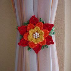rose, crochet, can be a nice d - Salvabrani Crochet Towel, Love Crochet, Diy Crochet, Crochet Crafts, Crochet Projects, Crochet Flower Tutorial, Crochet Flower Patterns, Crochet Designs, Crochet Flowers
