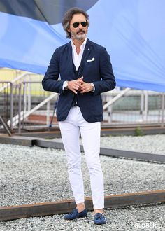 15 Dapper men's Easter Outfits in 2019 : Honcho Lifestyle Blue Blazer Outfit Men, Blazer Outfits Men, White Pants Outfit, Casual Blazer, Old Man Outfit, Formal Men Outfit, Formal Dresses For Men, Affordable Mens Suits, Mens Suits Online