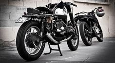 DAS BLITZ Blitz Motorcycles is a Paris-based custom garage founded by Fred Jourden and Hugo Jezegabel in 2010. Together, we conceive, customise and hand finish motorcycles to create unique, one-of-a-kind machines. Our love of old timers is no secret, so every project we undertake honours a legend while telling it's own story.