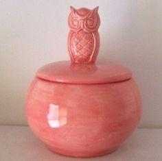 owl candy dish in rose pink vintage design. Pink Owl, Coral Pink, Kitsch, Owl Cookies, Vintage Cookies, Vintage Owl, Owl Art, Candy Dishes, Pink Roses