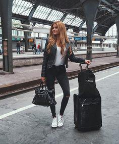 Off to Paris ❤️ #longtimenosee #ootd