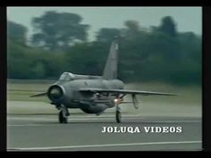 English Electric Lightning last solo display at R.I.A.T. 1987.