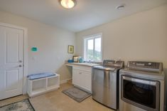 Large laundry and mud room. Designed and built by Quail Homes of Vancouver Washington.