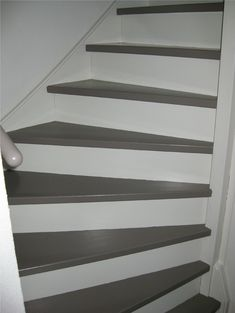 Yep, something like this. Stairs in two different collors Painted Staircases, Painted Stairs, Stair Renovation, Attic Bedroom Designs, Attic Remodel, Loft Spaces, Home Improvement, Sweet Home, Interior Design