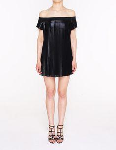 Sukienka plisowana z odkrytymi ramionami - 64569